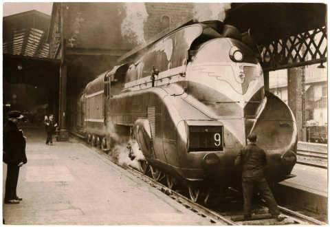 Train_No_9_Gare_du_Nord_Paris.thumb.jpg.