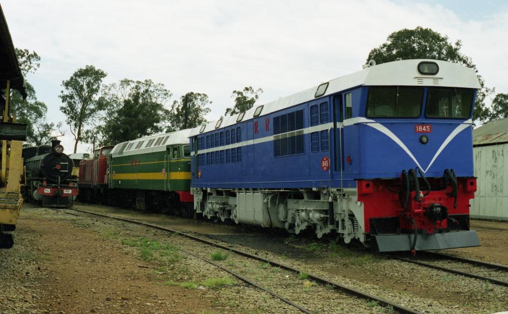 DE8B 1845 Bulawayo 16-11-2000.jpg