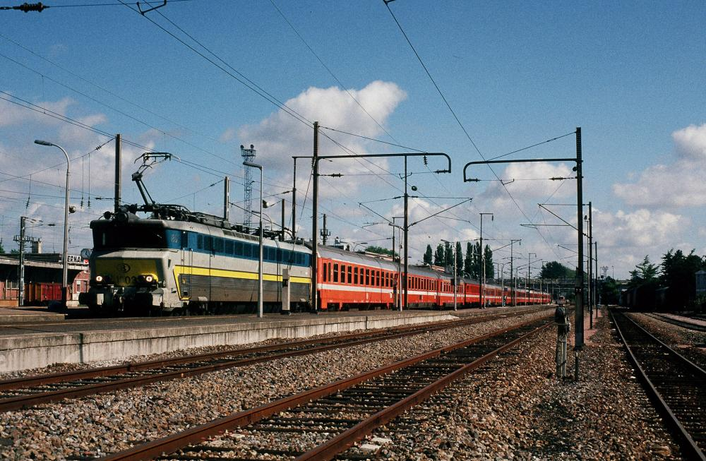 1803+int282 A'dam-PNO St-Quentin 13-09-1994.jpg