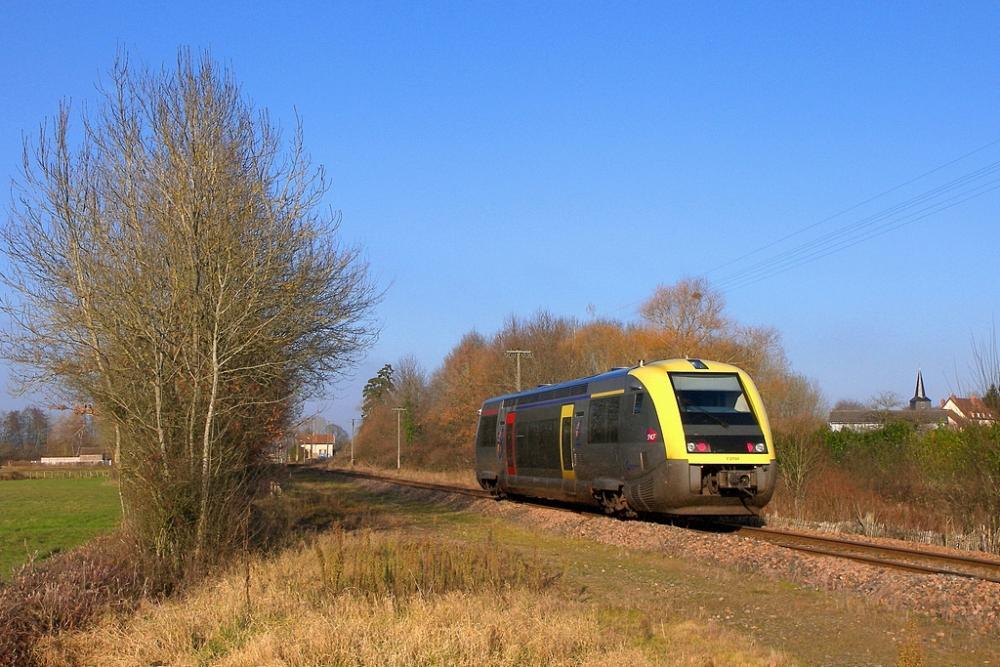 A-TER Bourgogne sur la ligne du Morvan.jpg